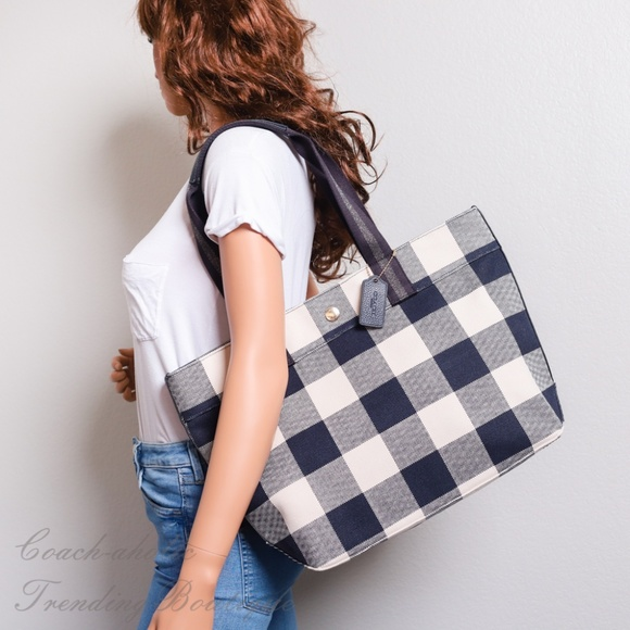 49e5a5e177 Coach F66867 Tote with Buffalo Plaid Print NWT
